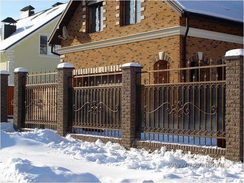 Красивый кованный забор