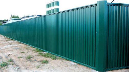 Забор из зеленого профлиста