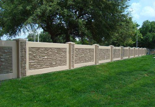 Забор из декоративных бетонных блоков