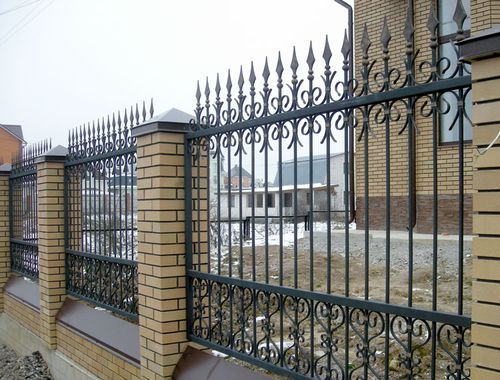 Выбираем решетки на забор