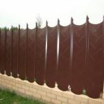 Забор из фигурного профнастила своими руками