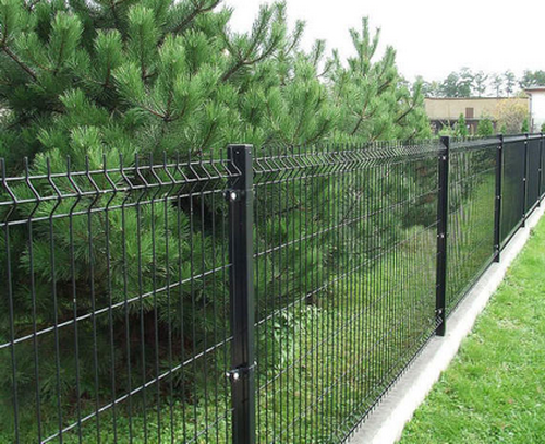 Делаем забор из сварной сетки
