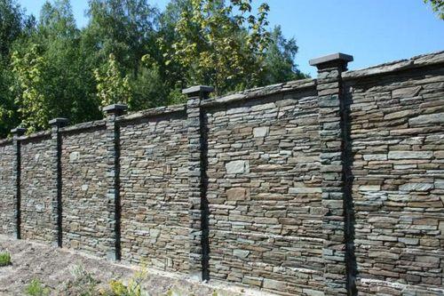 Делаем забор из камня