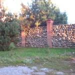 Как построить каменный забор своими руками