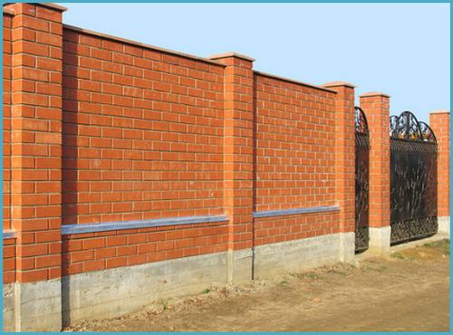 Строим забор из кирпича