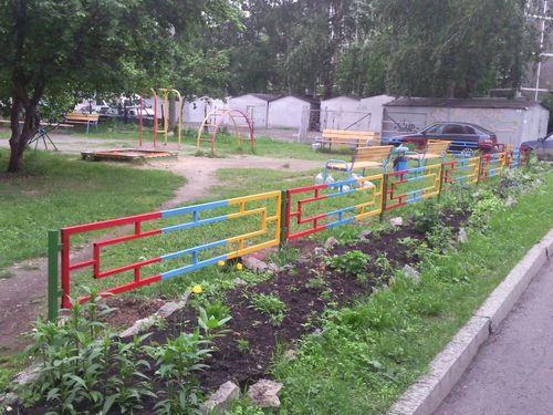 Выбираем забор для детской площадки