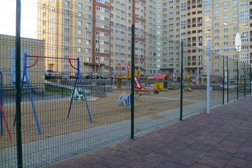 zabor_dlya_detskoj_ploshhadki_03