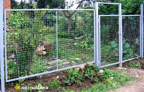 Выбираем сетчатый забор