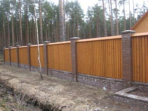 красивый забор из лиственницы_07