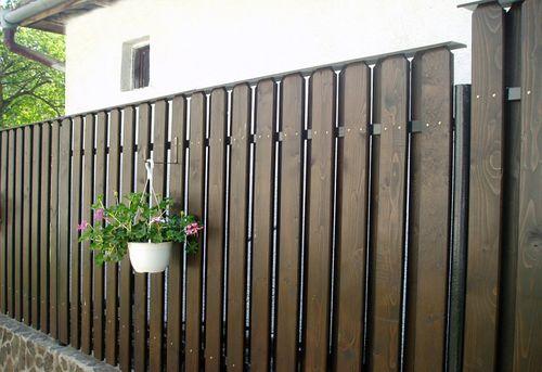 красивый забор из лиственницы_11