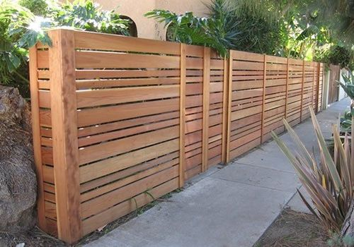 Строим забор из лиственницы