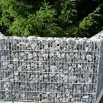 Как делать заборы пергоны из сетки и камня