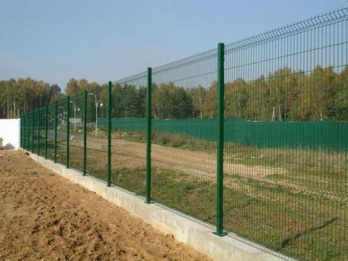 Выбираем забор из прутьев