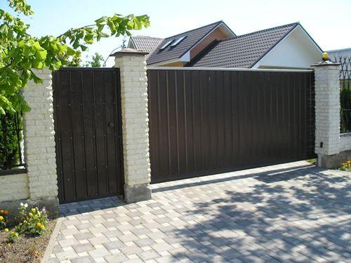 Строим забор из сайдинга