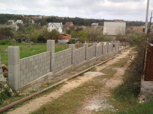 Выбираем забор из французского камня