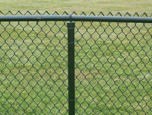 Крашеный забор из оцинкованной стали